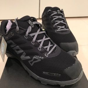 INOV sneaker